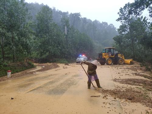 Khẩn trương khắc phục hậu quả do mưa lũ