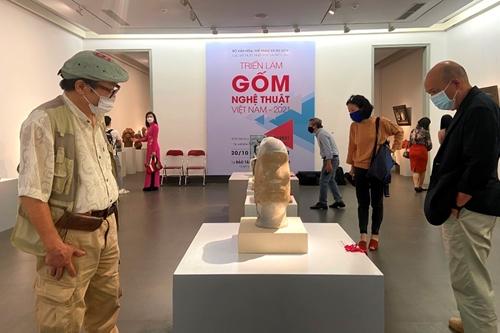 Trưng bày hơn 100 tác phẩm Gốm nghệ thuật Việt Nam