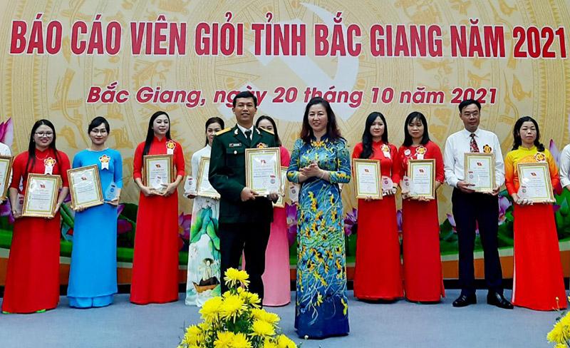 Chung khảo Hội thi Báo cáo viên giỏi tỉnh Bắc Giang năm 2021