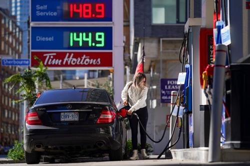 Lạm phát tại Canada tăng vọt mức cao nhất trong 18 năm
