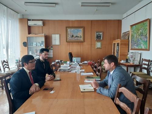 Посол Нгуен Хонг Тхать работал с Национальной ассоциацией художников и скульпторов Украины
