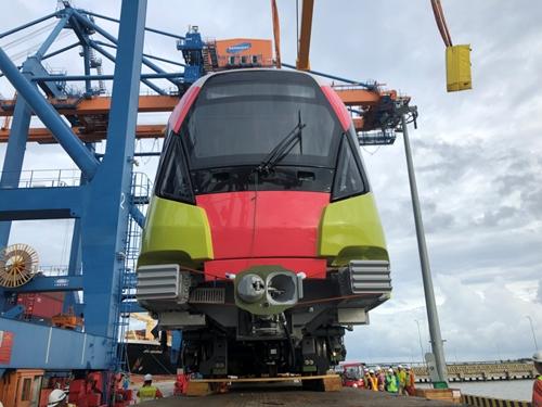 10-й состав поезда метро ветки Нён – Ханойский Ж Д вокзал доставлен во Вьетнам