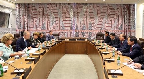 Президент Нгуен Суан Фук встретился с руководителями стран и международных организаций