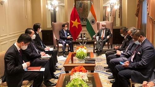 Двусторонние встречи главы МИД Вьетнама с коллегами в кулуарах 76-й сессии Генассамблеи ООН