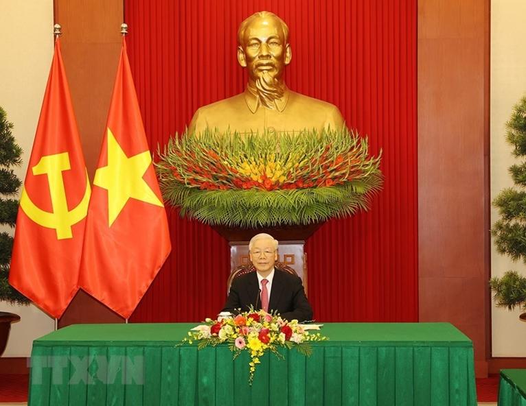 Генеральный секретарь Центрального комитета Компартии Вьетнама Нгуен Фу Чонг провёл телефонный разговор с генеральным секретарём ЦК КПК, председателем КНР Си Цзиньпином