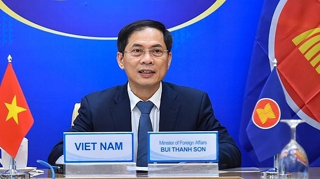 Министр иностранных дел Вьетнама посетит Россию с 25 сентября