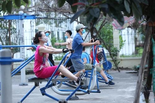 В Ханое продолжают ослаблять противоковидные ограничения
