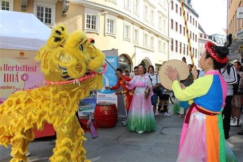 В Германии прошла программа, посвященная культуре и туризму Вьетнама