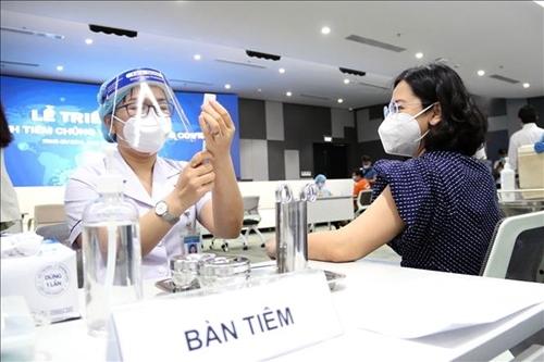 Вьетнам планирует начать вакцинацию детей от коронавируса в конце октября