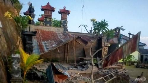 Землетрясение на Бали погибли три человека