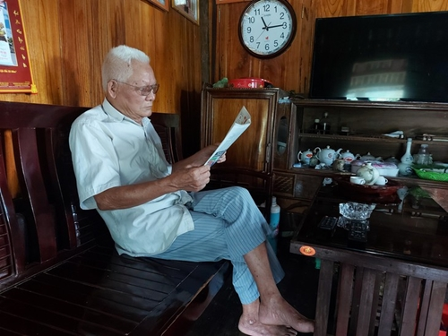 Cariño de los grupos étnicos de Viet Bac por el presidente Ho Chi Minh