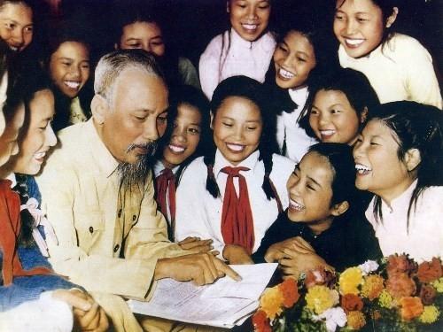 En el nuevo año escolar, recordamos las enseñanzas del tío Ho