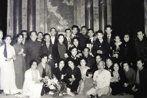 El presidente Ho Chi Minh y la radio la Voz de Vietnam