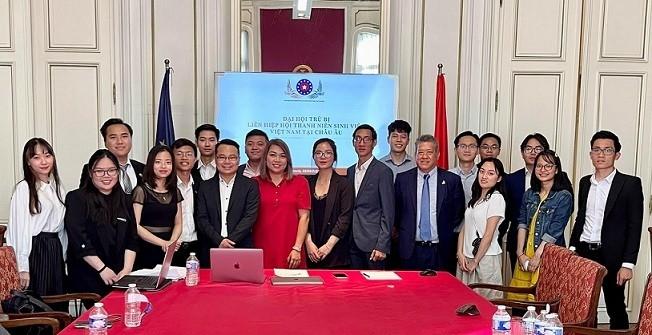 Establecimiento de la Asociación de estudiantes vietnamitas en Europa