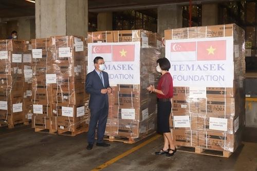 La fundación Temasek presta apoyo sanitario a Vietnam para luchar contra la COVID-19