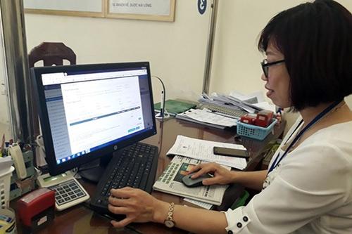 Hanói continúa simplificando procedimientos administrativos