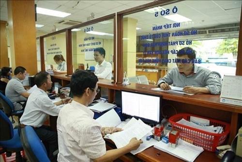 El gobierno promulga medidas para ayudar a empresas y ciudadanos afectados por la COVID-19